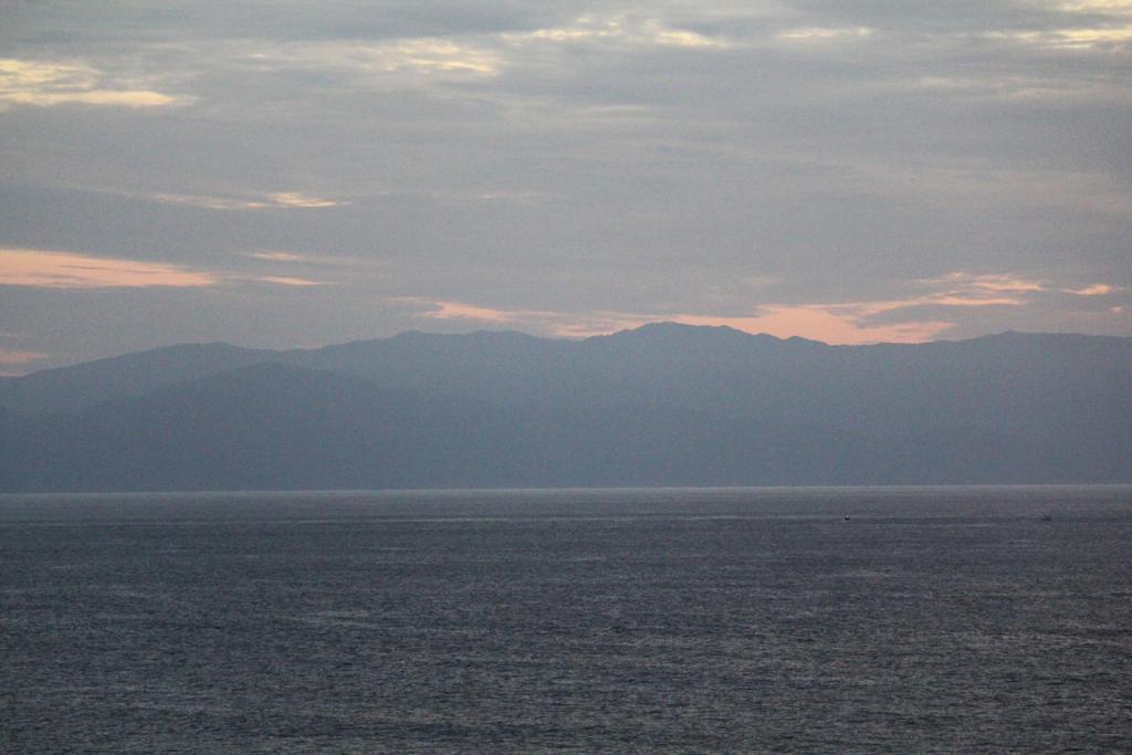 Distant Horizon by firenze-design