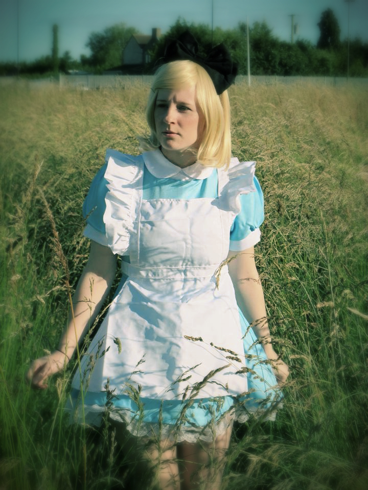 Alice In Wonderland: Lost by BluePandaCosplay