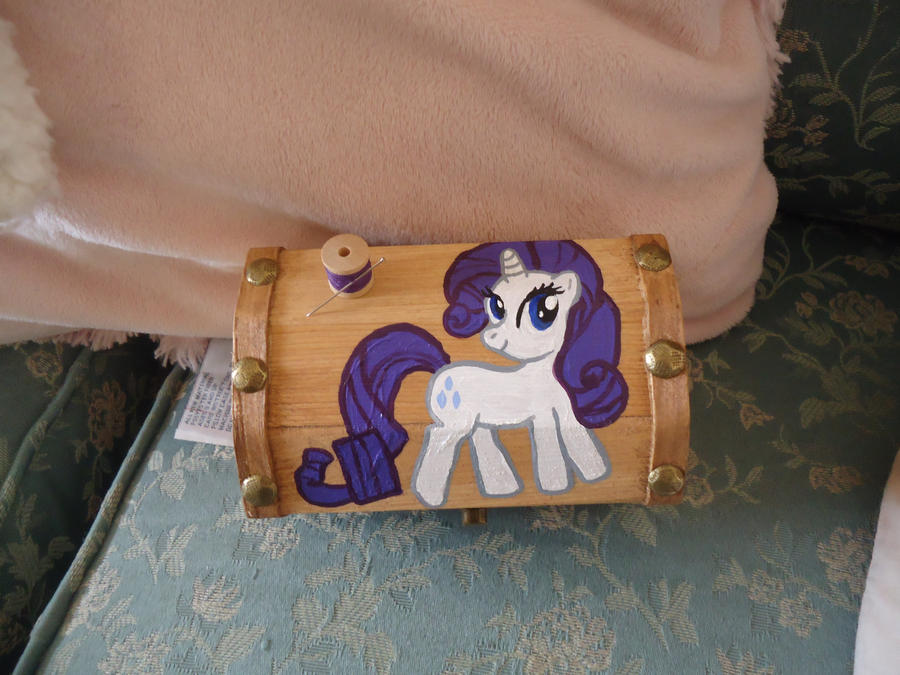 Rarity Treasure box by LindyArt