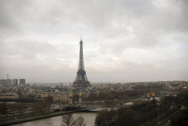 Eiffel Tower, Paris by moonhare77
