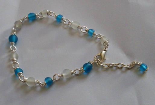 Dainty blue bracelet