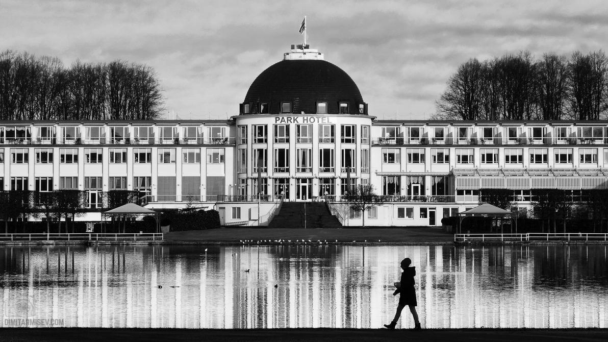 Park Hotel by dimitarmisev