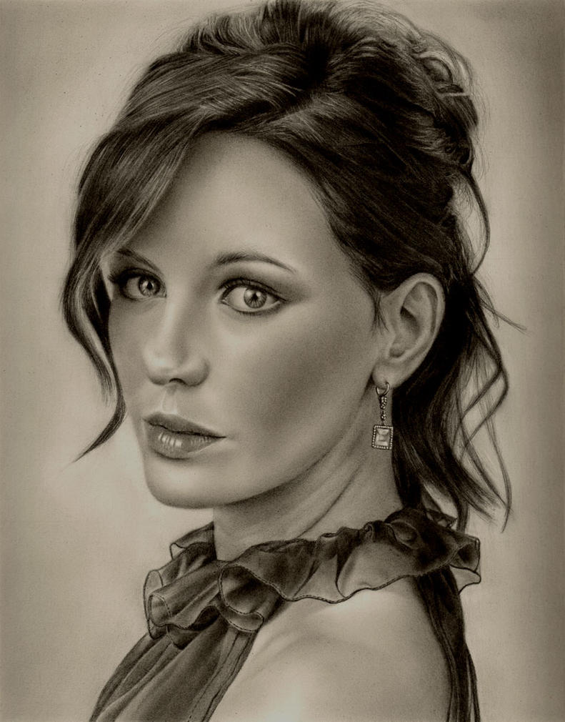 Kate Beckinsale by Rob-Mcilwain