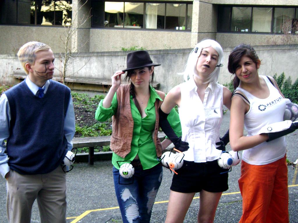 It's a Team Thing-Portal 2 [Tsukino Con 2013] by Failure-At-Failing