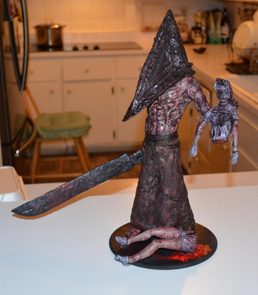 Silent Hill Pyramid Head Statue By Futantshadow On Deviantart