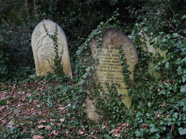 Highgate Cemetery 2012 93 by LadyxBoleyn