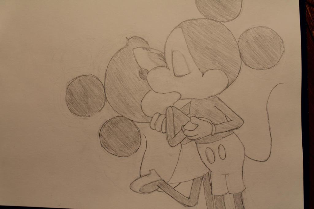 Mickey and Minnie Kiss...
