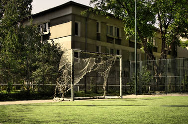 goalpost by vladmacaru