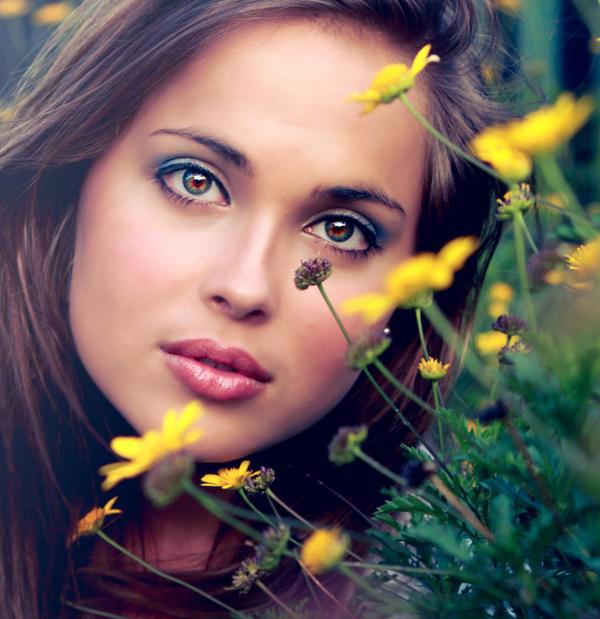 Zena i cvece June_by_0gutter_glitter-d54f49h
