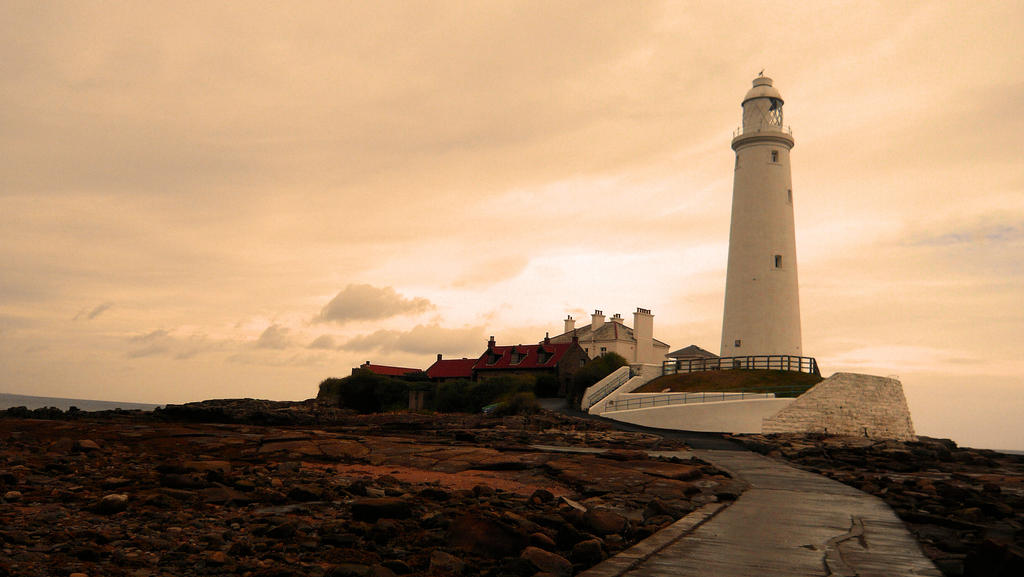 St Marys Lighthouse by SweeneyTed