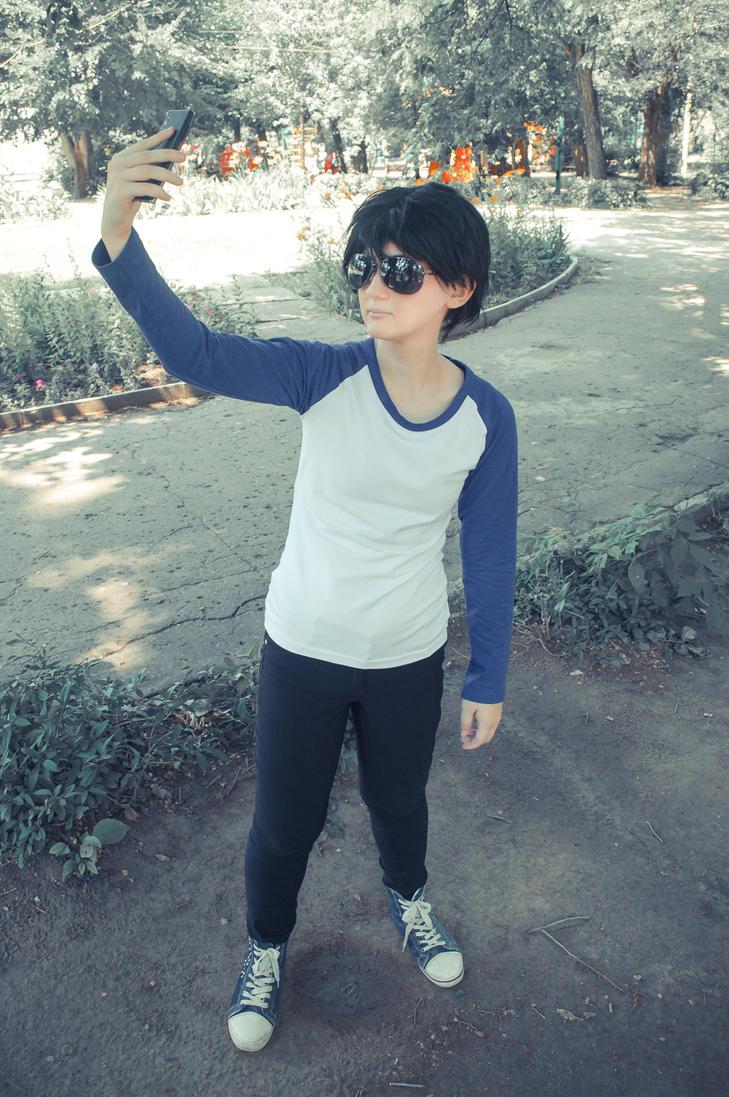 lemme take a selfie by Lavi-Deak