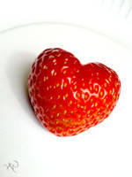 Strawberry Love by thewafflekid