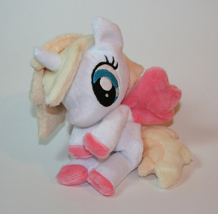 Pony beanie by Yukamina-Plushies