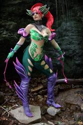 Zyra cosplay: Feel the thorns embrace by Nobodyyyyy