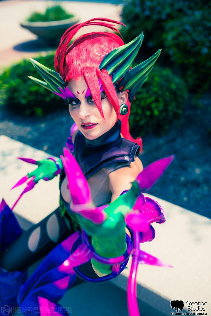 Zyra cosplay: Just a harmless flower by Nobodyyyyy