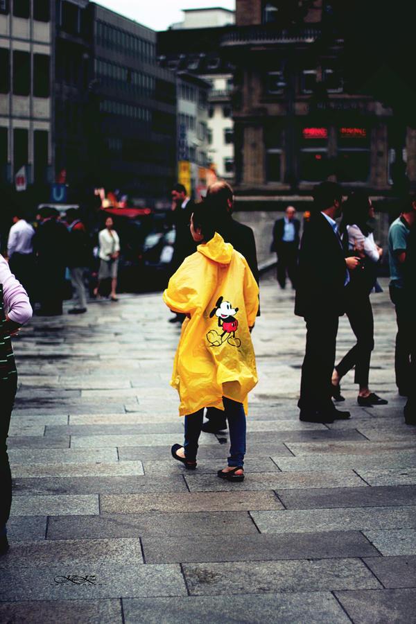 yellow in the dark by kathrinska