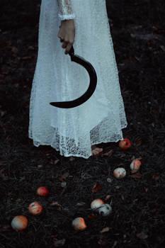 Last tales of small Autumn deaths