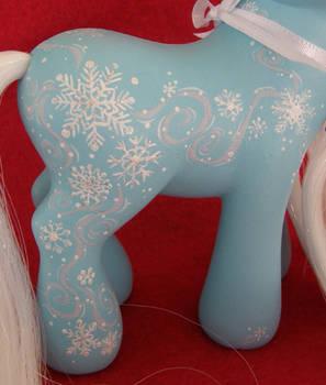 2011 Holiday Swap - Flurries pt 2