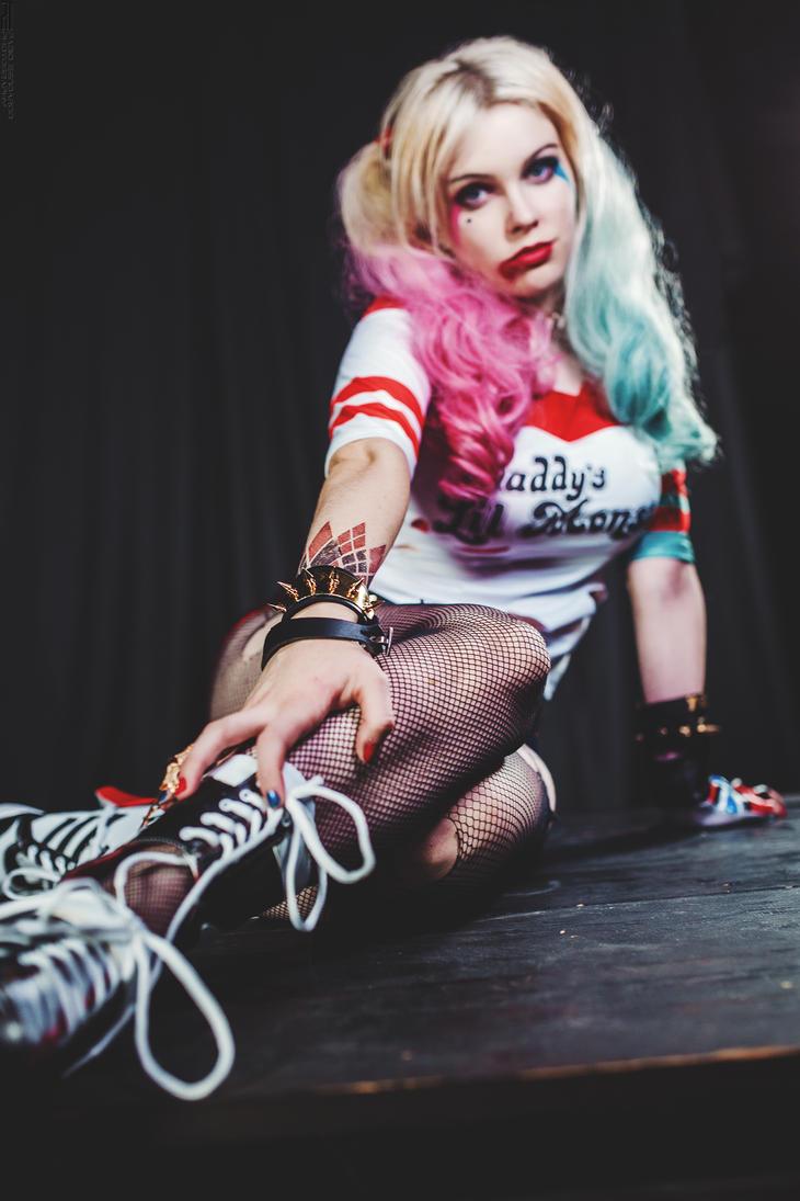 Harley Quinn _56 by FabioZenoardo