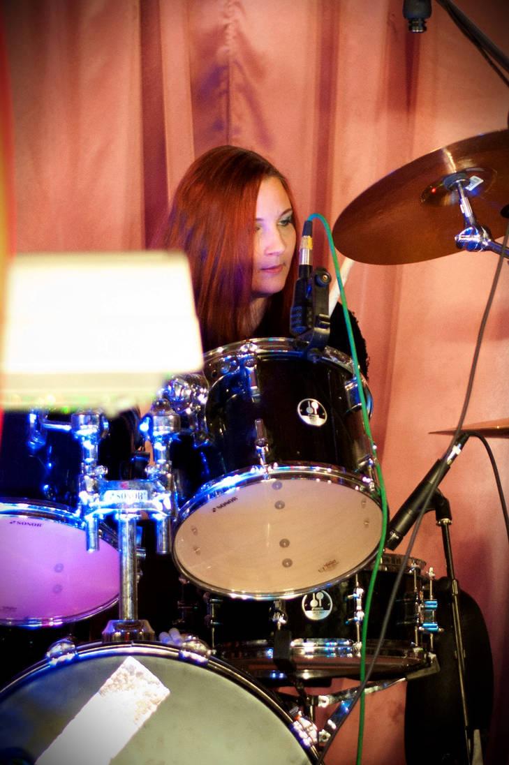 Me drumming last Saturday by Onatra