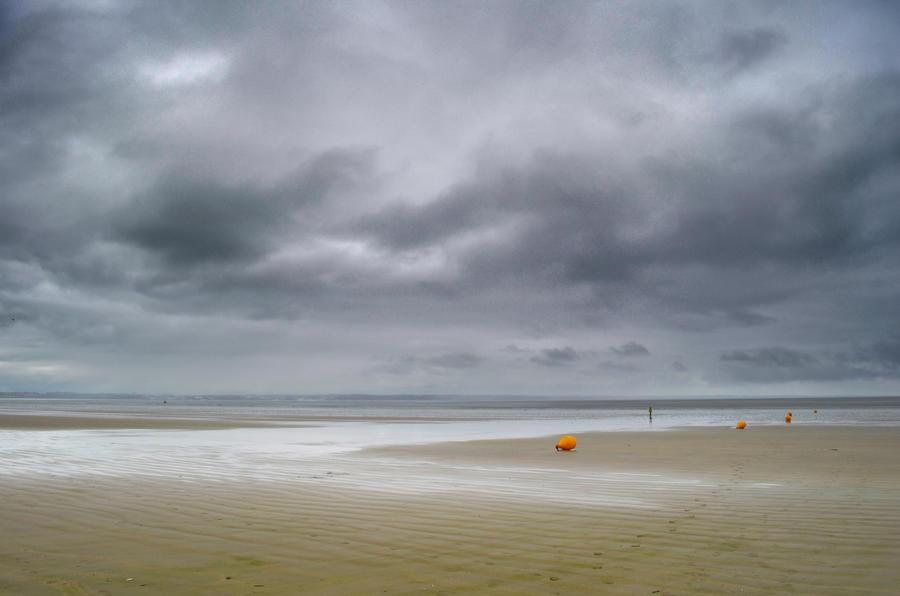 Grey Sea II by suffer1