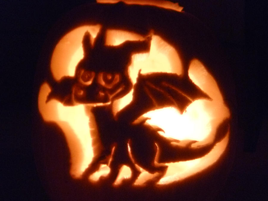 Spyro Pumpkin Carving :3 by JHayday
