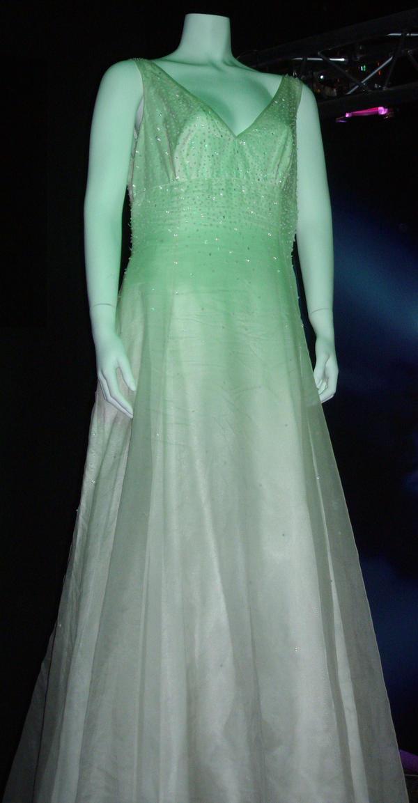 Donnas Wedding Dress By Lunamaxwell