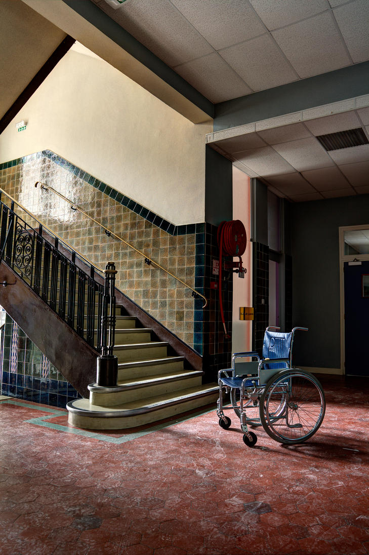 Wheelchair vs. Staircase by xMAXIx