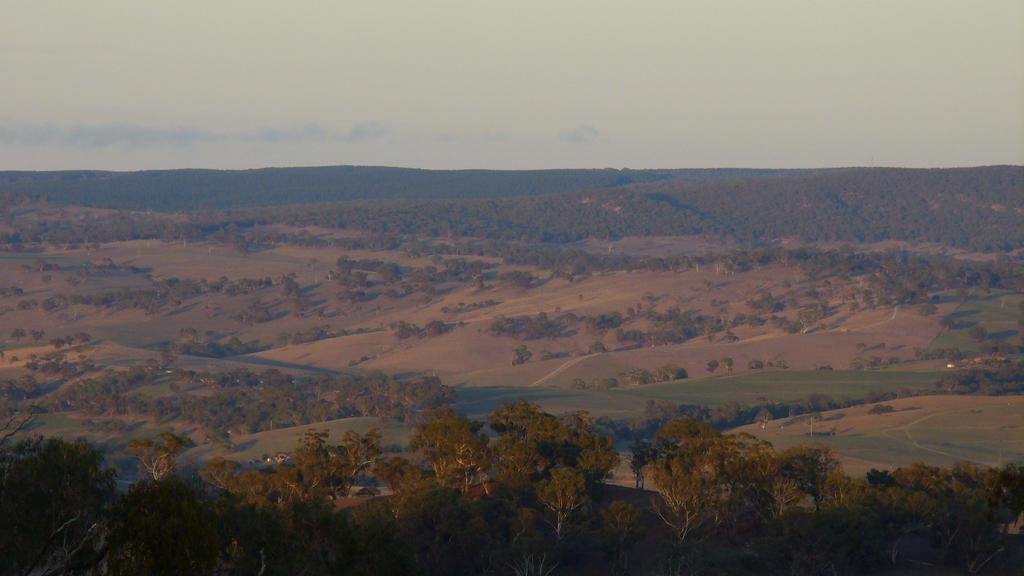 The Hills of Bathurst by IAmMarauder