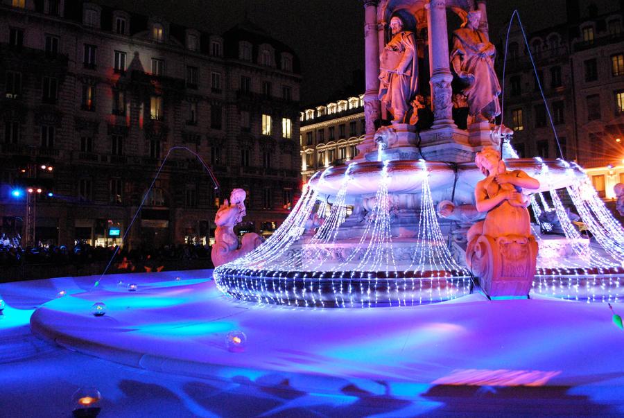 Lyon - Fete des Lumieres IV by John-Furie-Zacharias