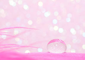 Sparkle droplet by pqphotography