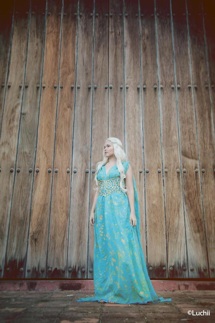 Game Of Thrones - Daenerys Targaryen 2 by luchia-28