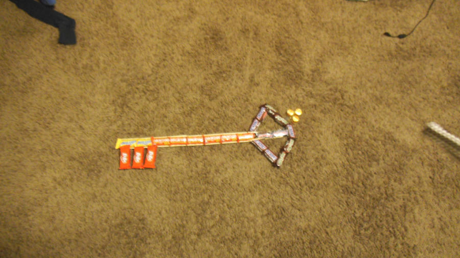 keyblade made out of candy by hendrkeslyn