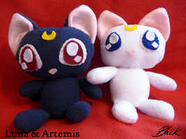 Sailor Moon - Luna and Artemis plushies
