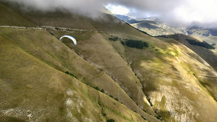 Paragliding in italien mountains 2