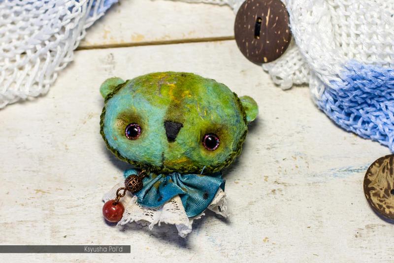 Animal brooch Teddy by Leopoldovna