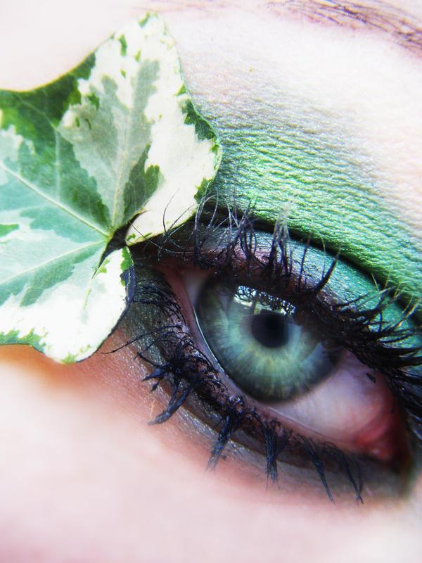Eyes Ivy_green_by_Loli_rot