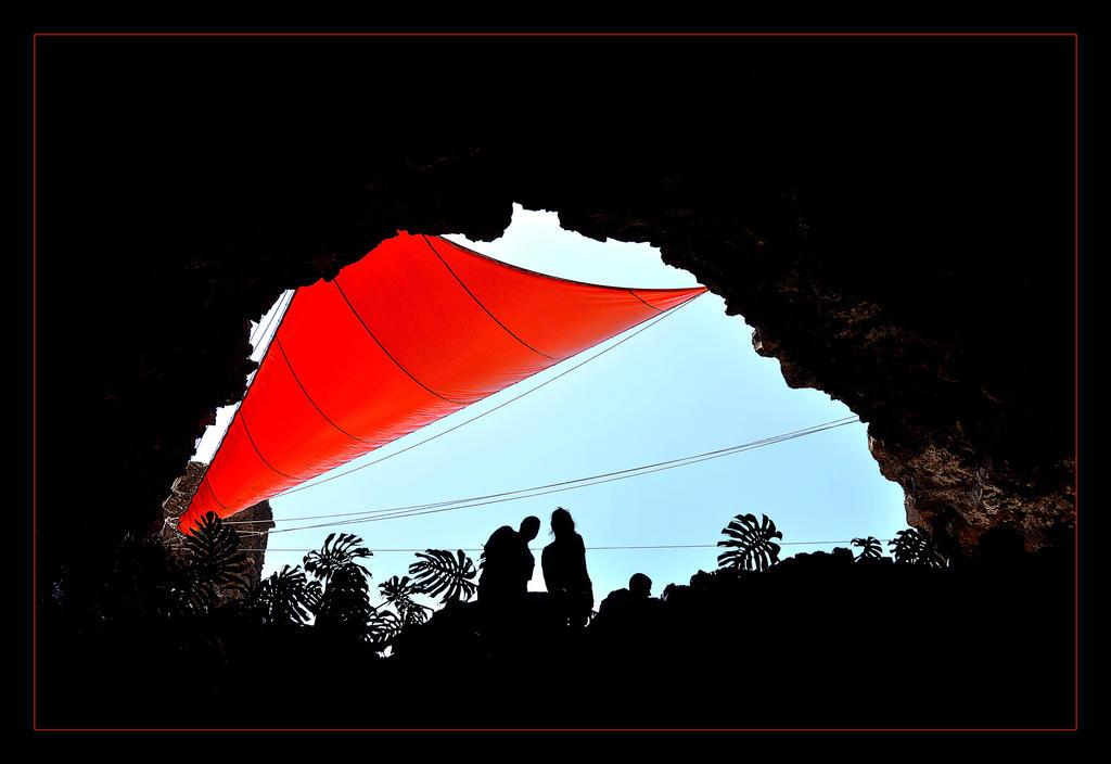 Hole... And Red Rag by skarzynscy