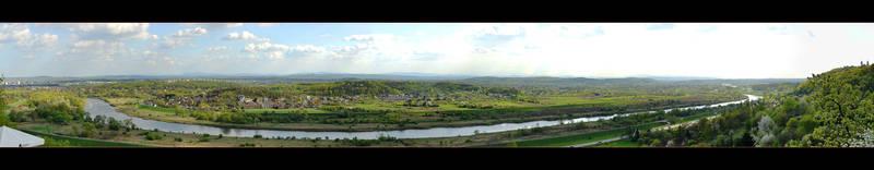 A View Of The Vistula River In Krakow by skarzynscy