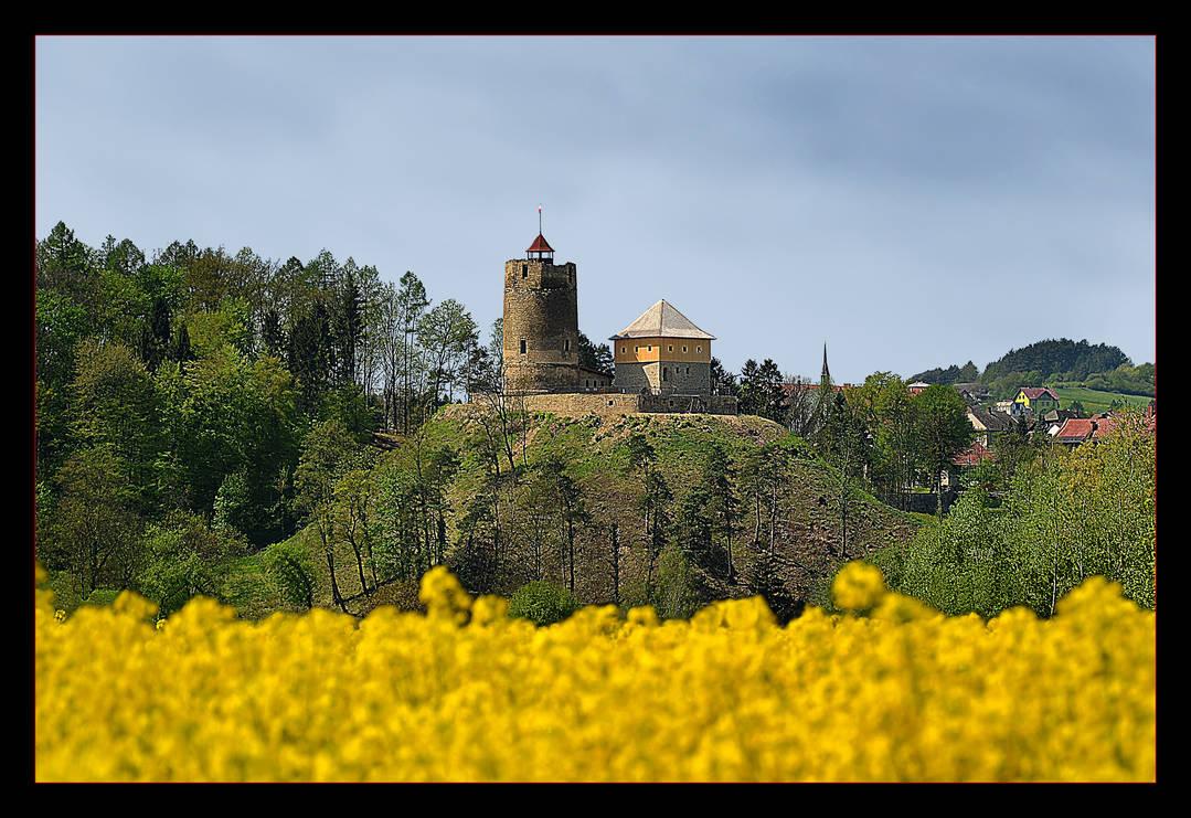 A Castle In My Little Town by skarzynscy