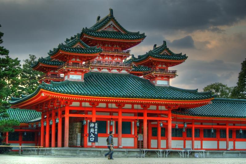 Heian Jingu Shrine by ganessa
