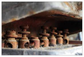 Rusty Chess Set by lennuk