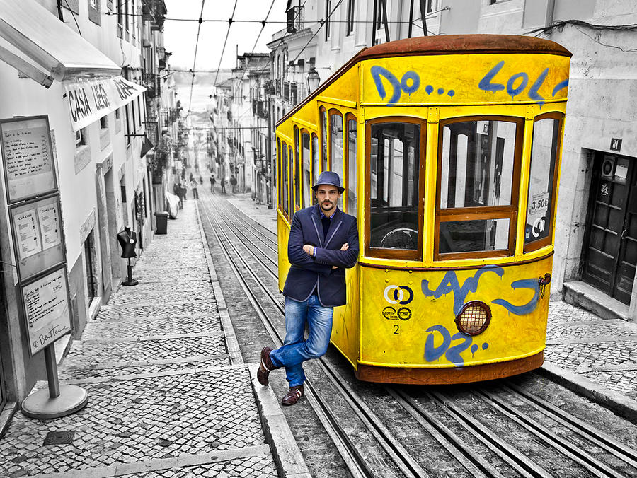 New Creative Experience in Lisbon by BenHeine