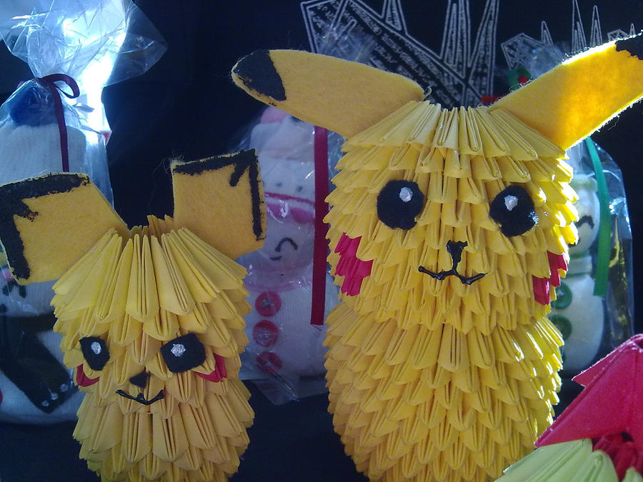 Pichu And Pikachu By Kadoku On DeviantArt
