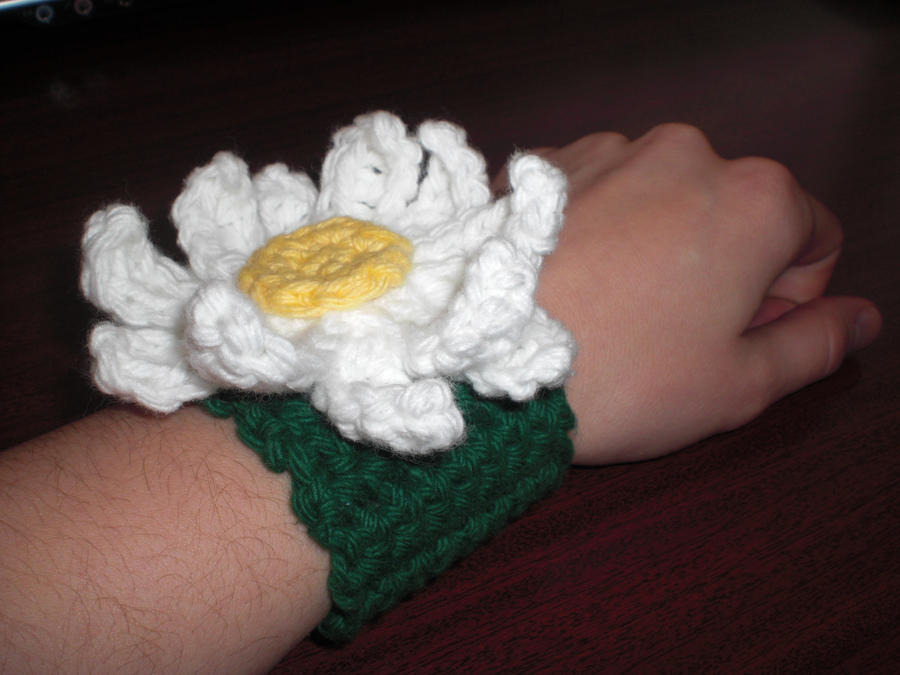 Crochet Daisy Wristband by RainKitty18