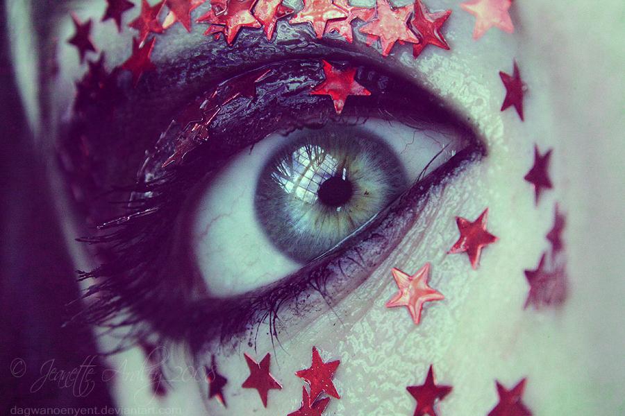 Stars by Dagwanoenyent