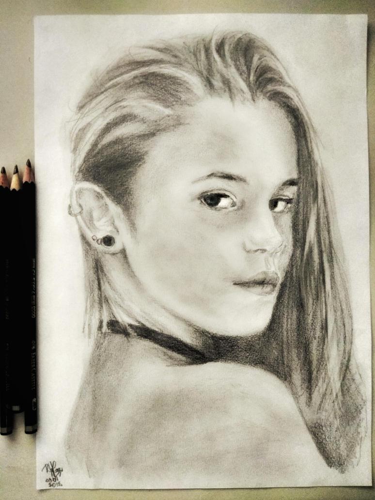 Julia by raphaelcozzi