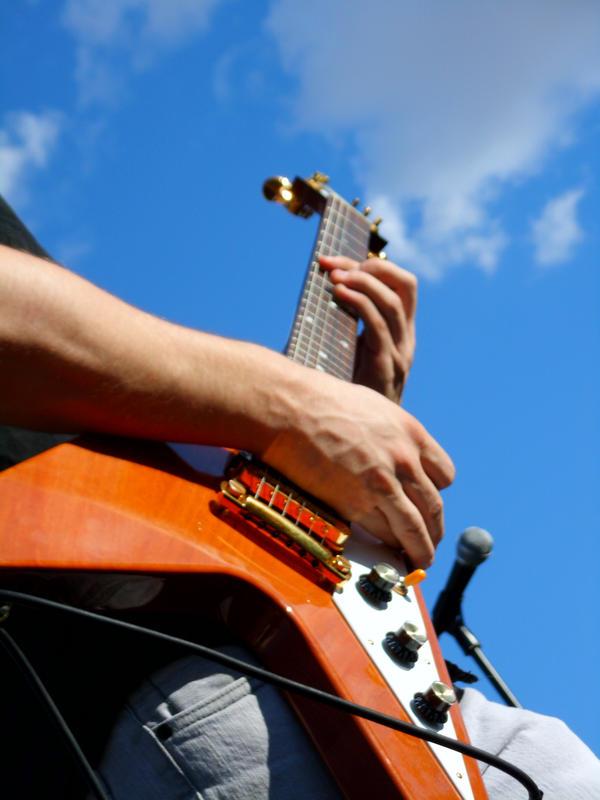 Sky Guitar by KitsuneShinra