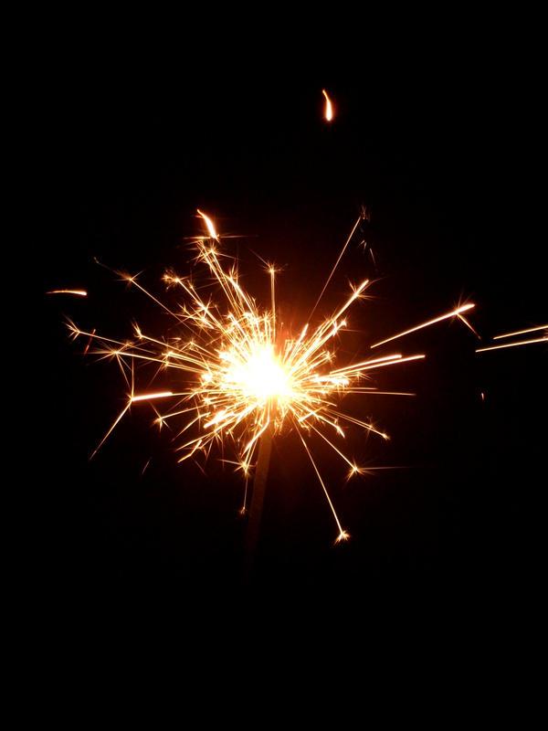 Sparkler by KitsuneShinra