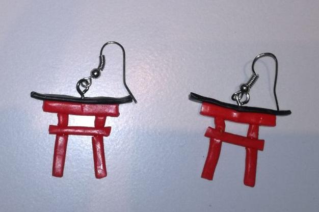 Torii earrings by roter-Mondschein